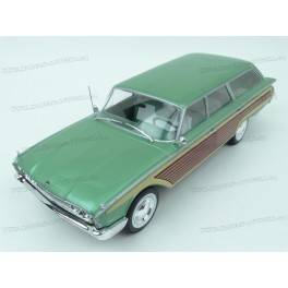 Ford Country Squire 1960 (Green), MCG (Model Car Group) 1/18 scale