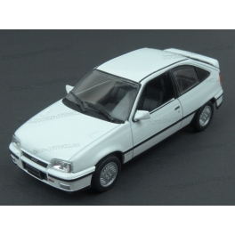 Opel Kadett E GSi 2.0 16v 1988 model 1:43 WhiteBox WB232