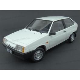 Lada VAZ 2108 Samara 1989 (White) model 1:18 Premium Scale Models PSM-DC18003D