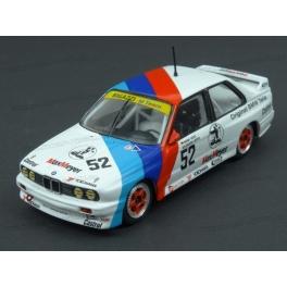 BMW (E30) M3 Nr.52 Bigazzi M Team ETCC Donington 500 1988 model 1:43 IXO Models GTM131