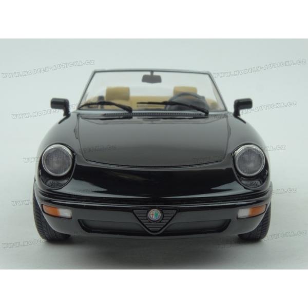 Alfa Romeo Spider 4 1990, KK-Scale 1:18 Model