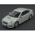 Subaru Legacy B4 2010 (White Met.) model 1:43 Kyosho KY03650W
