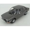 BMW (E12) 520i 1974 (Anthrazit Met.) model 1:18 MCG (Model Car Group) MCG18121