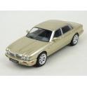 Jaguar XJ8 (X308) 1998 (Gold) model 1:43 IXO Models CLC346N