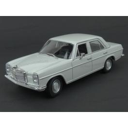 Mercedes Benz (W115) 220 1968 (Cream) model 1:24 WELLY WE-24091cr