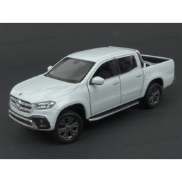 Mercedes Benz (W470) X-Class 2017 (White), WELLY 1/24